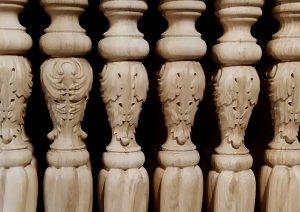 Holzschnitzerei auf Anfrage für Denkmalpflege und private Residenzen